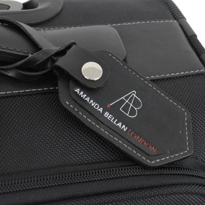 3f919c6a29 ネームタグ ブランドロゴ付きのネームタグが、さりげないアクセントになっています。